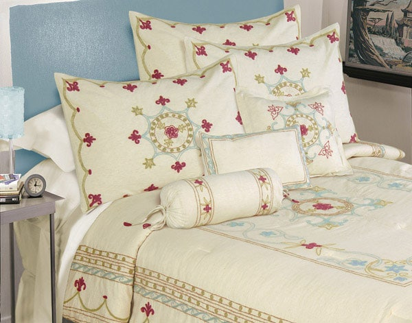 Goddess Coverlet Set