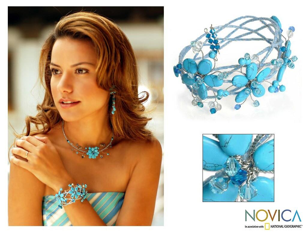 Stainless Steel 'Wreath of Blue' Bracelet (Thailand)