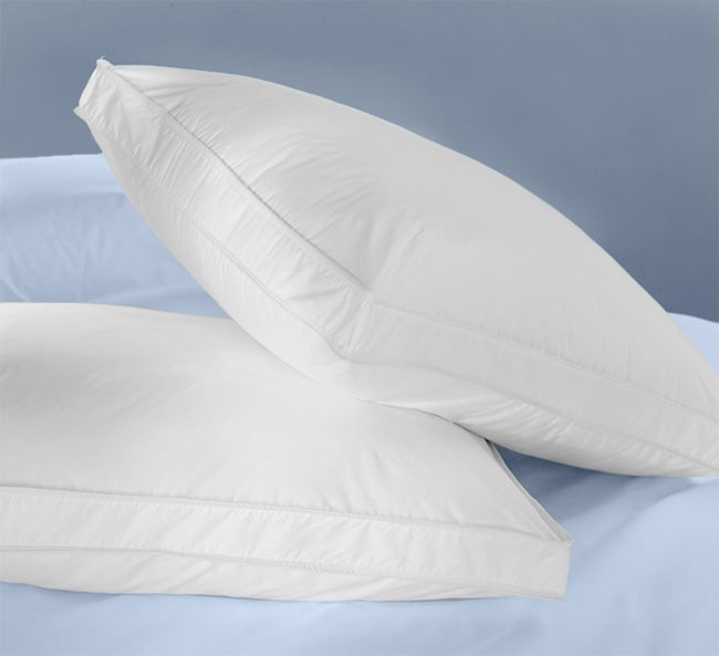 Essential 200 tc Gusseted Super Standard Pillows (Set of 2)
