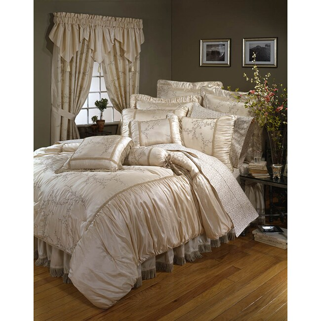 Grace Embroidered 4-piece Comforter Set