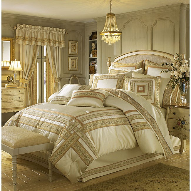 Croscill 'Sasha' Comforter Set