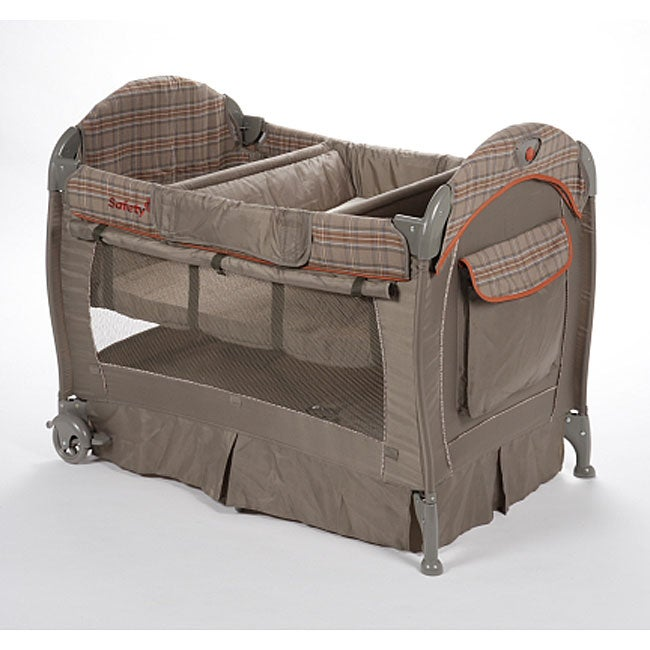 Safety 1st Deluxe Playard in Prescott - Thumbnail 0