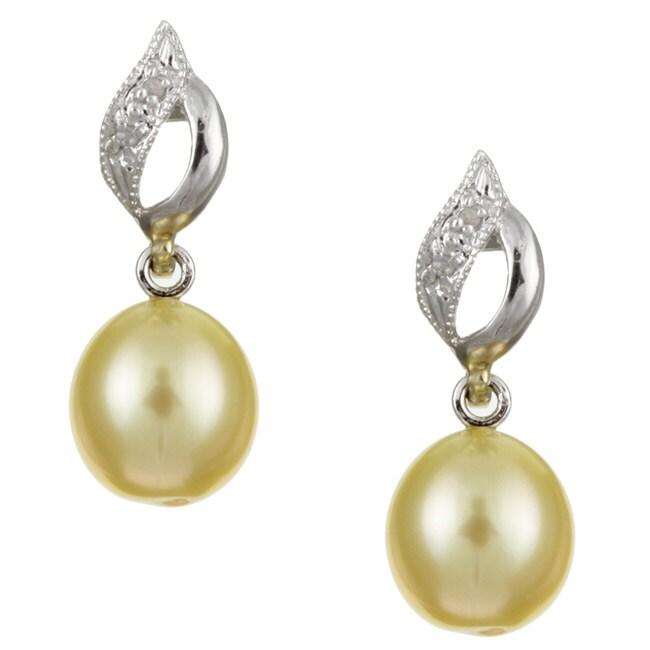 Kabella 14k Gold South Sea Pearl/ 1/10ct TDW Diamond Earrings (8-9 mm)