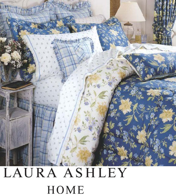 Laura Ashley 8-piece Emilie Bed in a Bag with Sheet Set