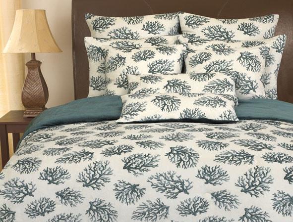 Reversible Micro-plush Coral Print Comforter