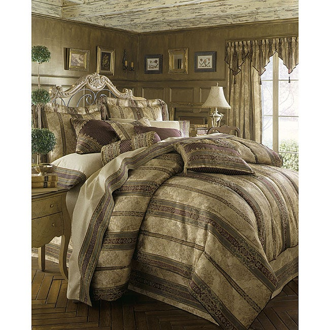 Croscill Townhouse 4-piece Comforter Set With Bonus Pillow