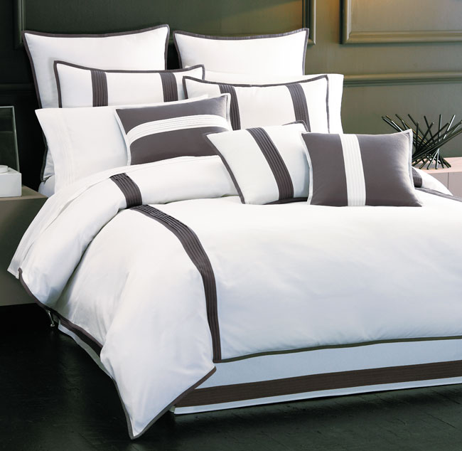 Croscill Chatham Luxury 4-piece Duvet Cover Set
