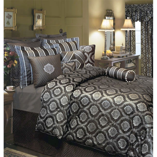 Savoy Luxury 4-piece Comforter Set