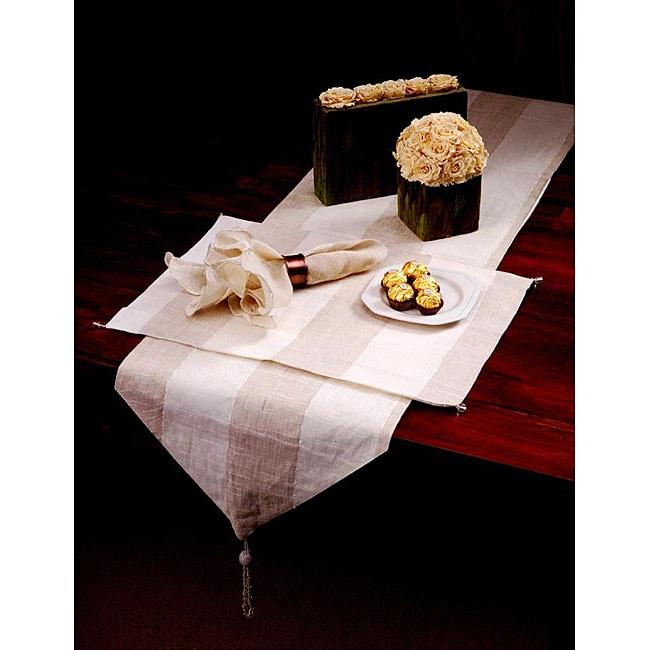 Set of Four Hand-sewn Urban Chic Linen Blend Napkin Set (India)