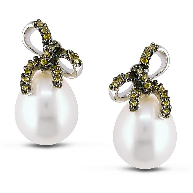 10k Gold Pearl and 1/10ct TDW Yellow Diamond Earrings (7.5-8 mm) (I3)