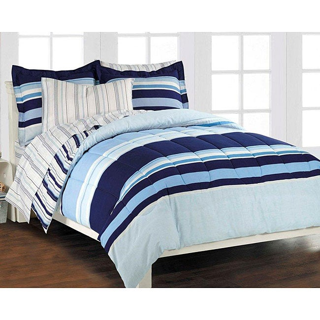 Newport Blue Queen-size 7-piece Bed in Bag with Sheet Set