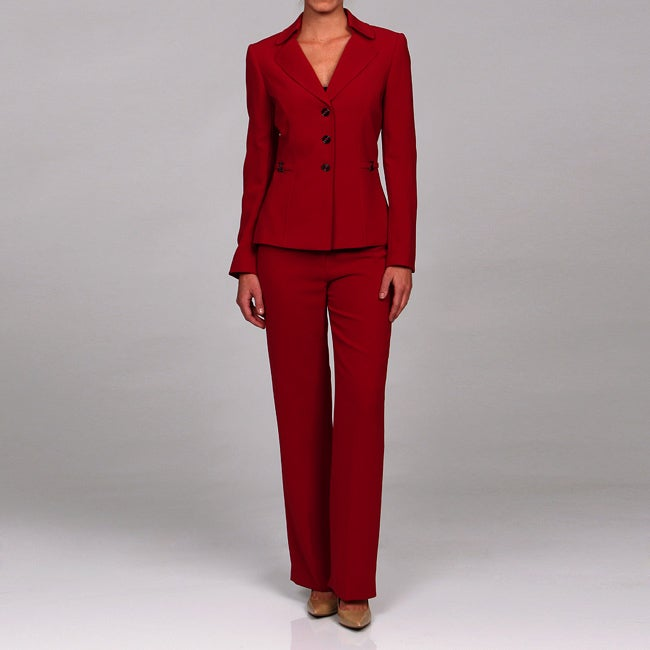 Creative In A Professional Setting, A Skirt Or Pants Suit Is Appropriate Women Who Select Skirt Suits Should Not Wear  But Primary Colors Such As Red, Blue And Yellow Are Safe Choices Also, Men Should Pay Attention To The Length Of The Pants Leg