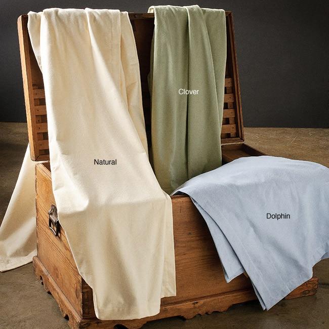 European Full/ Queen-size 11-ounce Flannel Blanket