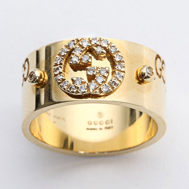 afe6ef600d017f Shop Gucci 18k Yellow Gold 1/6ct TDW Diamond Logo Ring - Free Shipping  Today - Overstock - 5209887