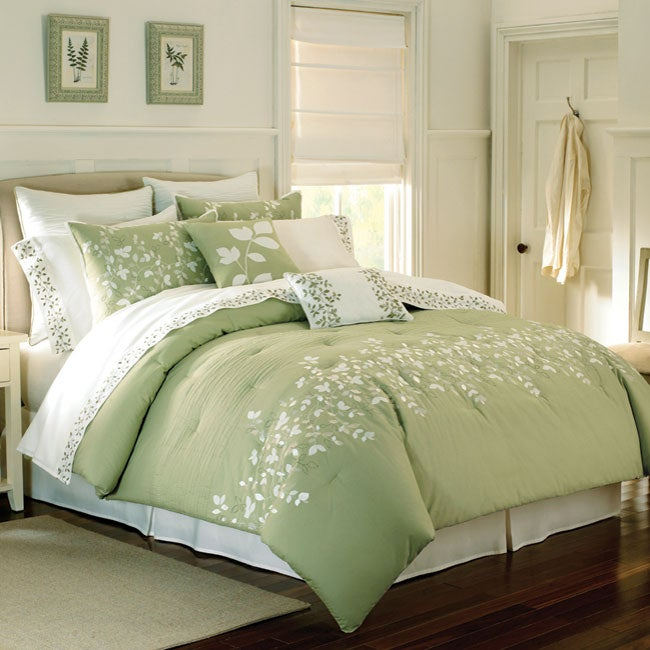 Spring Lake Queen-size 8-piece Bed in a Bag with Sheet Set