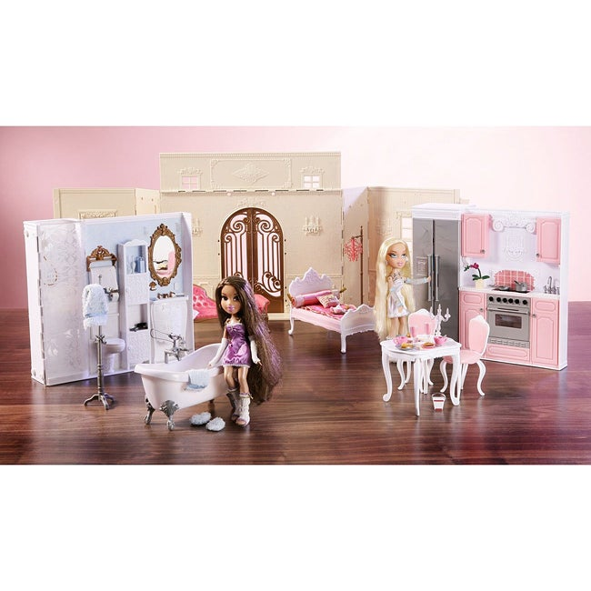 Bratz World House Kids' Toy Dollhouse with Interchangeable Rooms