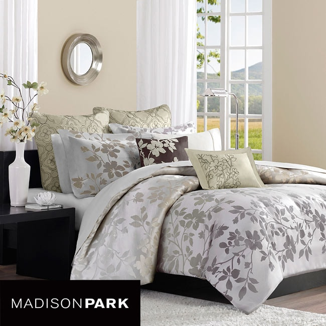 Madison Park Charlotte King-size 7-piece Duvet Cover Set