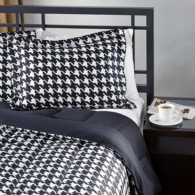 White/ Black Houndstooth 3-piece Full/ Queen-size Comforter Set
