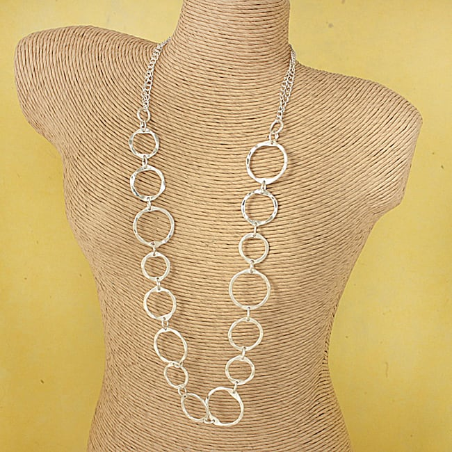 Handcrafted Silvertone 'Shiny Halos' Necklace (India)