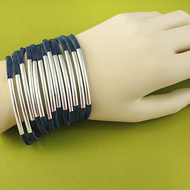 Hand-crafted Blue Suede Silvertone Bars Tribal Fashion Bracelet (India)