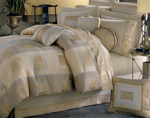 Trilogy Jacquard Comforter Set (King)
