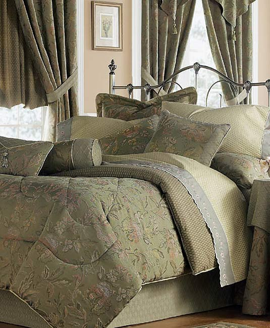 Silhouette Luxury Comforter Set