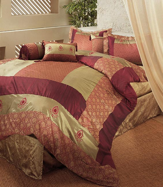 Bohemian Paisley Duvet Cover with Shams