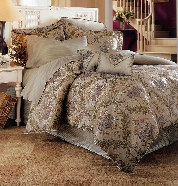 Solemo Luxury Comforter Set