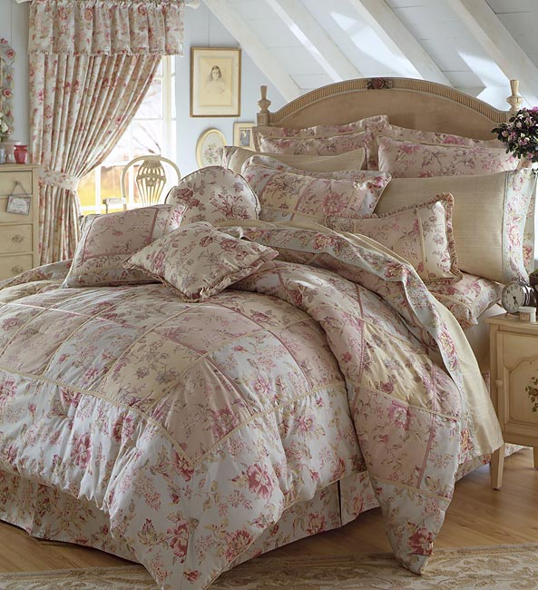 Margarita Luxury Bedding Ensemble w/ 250 tc Sheets