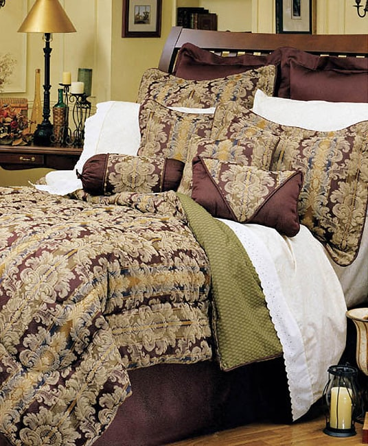 Beacon Hill Comforter Set
