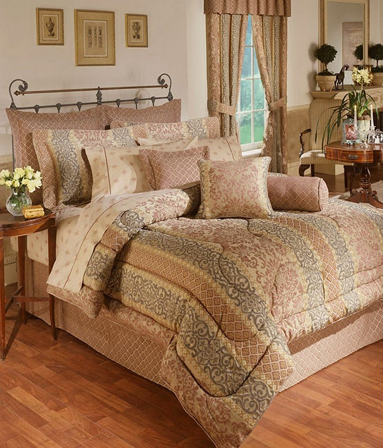 Ariana Comforter Set