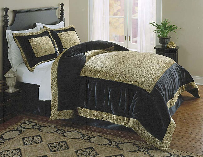 Sonoma Solitare Gold/ Black Queen Comforter Set