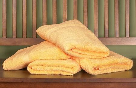 Royal Velvet Mango Big and Soft Towels (Set of 4)