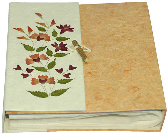 Hand-painted Lotka Paper Photo Album - Thumbnail 0