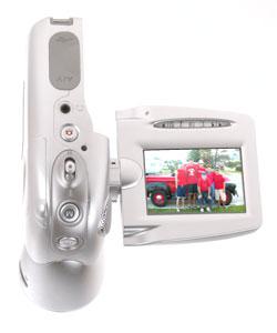 Vivitar DVR-310 3.0MP MPEG4 Camcorder/Digital Camera - Thumbnail 1