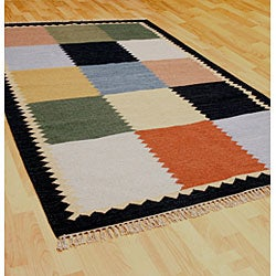 Hand-woven Multiple Squares Wool Rug (9' x 12')