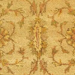 Safavieh Handmade Antiquities Kashan Ivory/ Beige Wool Rug (4'6 x 6'6 Oval) - Thumbnail 1