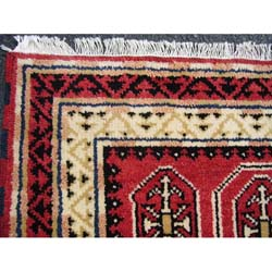 Indo Kazak Hand-knotted Red/ Ivory Rug (3' x 5') - Thumbnail 1