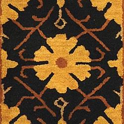 Safavieh Handmade Classic Agra Green/ Apricot Wool Runner (2'3 x 10') - Thumbnail 1