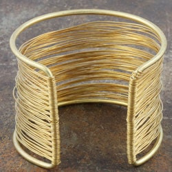 Thumbnail 2, Goldtone Brass and Wire Cuff Bracelet (India). Changes active main hero.