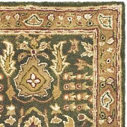 Safavieh Handmade Classic Light Green/ Gold Wool Rug (2' x 3') - Thumbnail 1