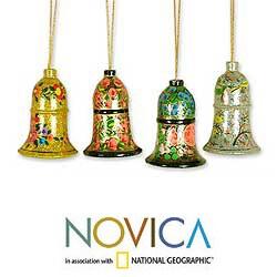 Handmade Set of 4 Wooden 'Holiday Melody' Ornaments (India) - Thumbnail 1