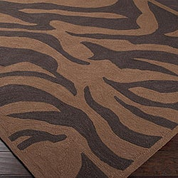 Hand-hooked Bliss Outdoor Brown Indoor/Outdoor Animal Print Rug (9' x 12') - Thumbnail 1