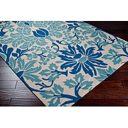 Hand-hooked Bliss Off-white Indoor/Outdoor Floral Rug (5' x 8') - Thumbnail 1