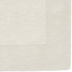 Hand-crafted White Tone-On-Tone Bordered Wool Rug (7'6 x 9'6)