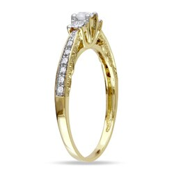 Miadora 10k Yellow Gold 1/4ct TDW Diamond 3-stone Ring - Thumbnail 1