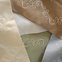 Grand Luxe Egyptian Cotton 500 Thread Count Scroll Pillowcases (Set of 2) - Thumbnail 1
