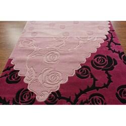 nuLOOM Handmade Pino Heart and Rose Floral Rug (7'6 x 9'6) - Thumbnail 1