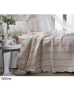 Thumbnail 1, Trellis Yellow Full/ Queen-size Quilt Set.