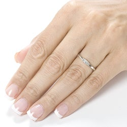 Annello by Kobelli 14k Gold 1/4ct TDW Princess Diamond 3-stone Ring (H-I, I1-I2)
